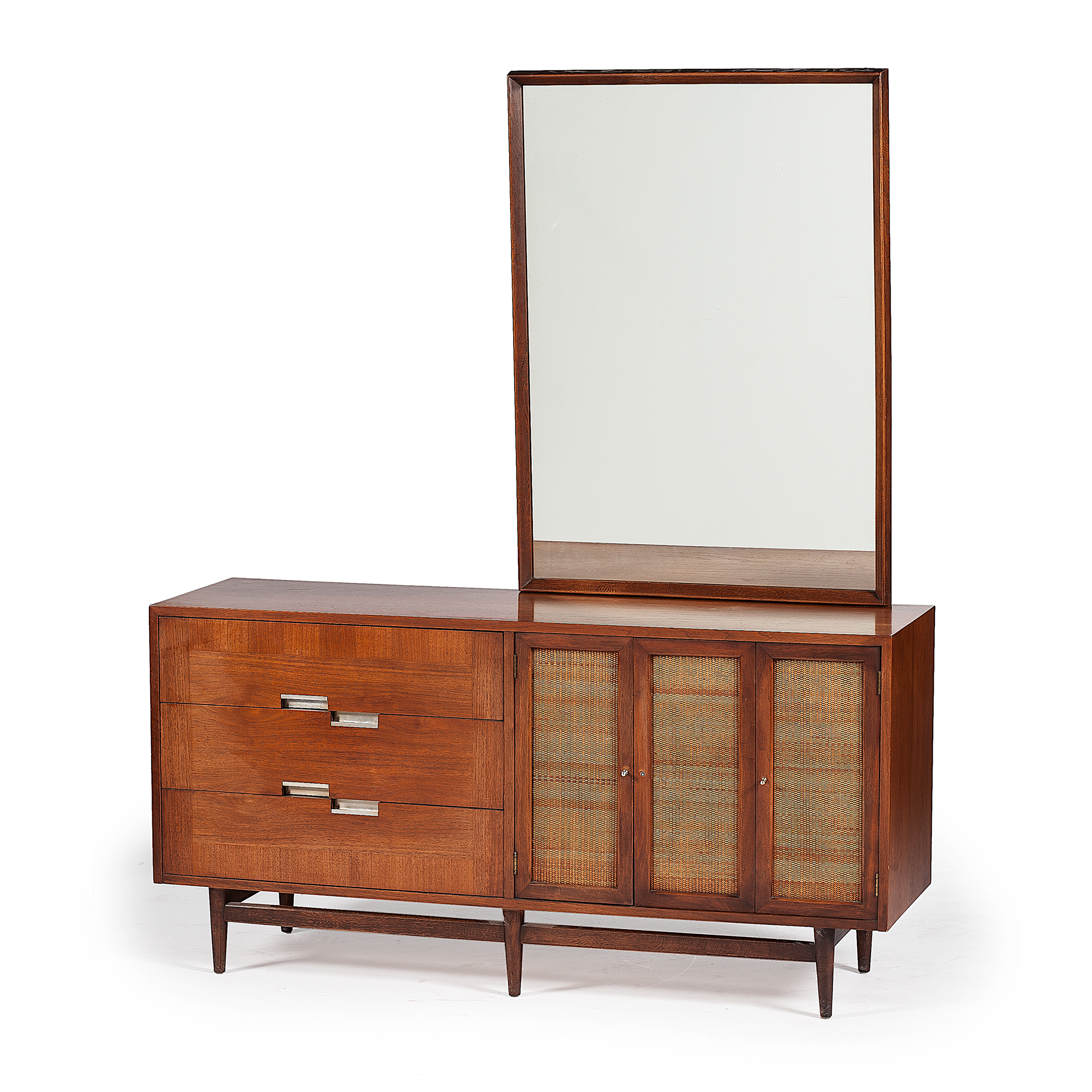 american of martinsville mid century modern dresser with mirror cowan 39 s auction house the. Black Bedroom Furniture Sets. Home Design Ideas