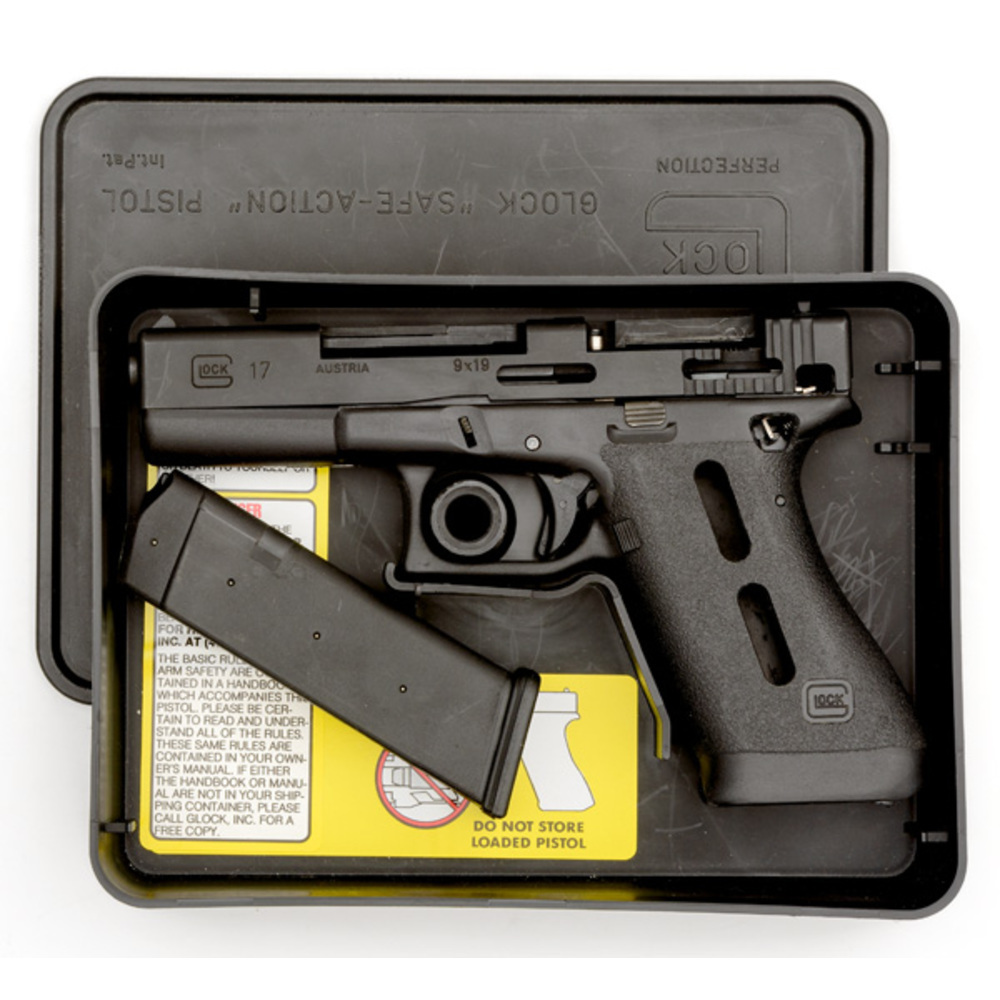 Cutaway Glock 17 Semi-Automatic Pistol | Cowan's Auction