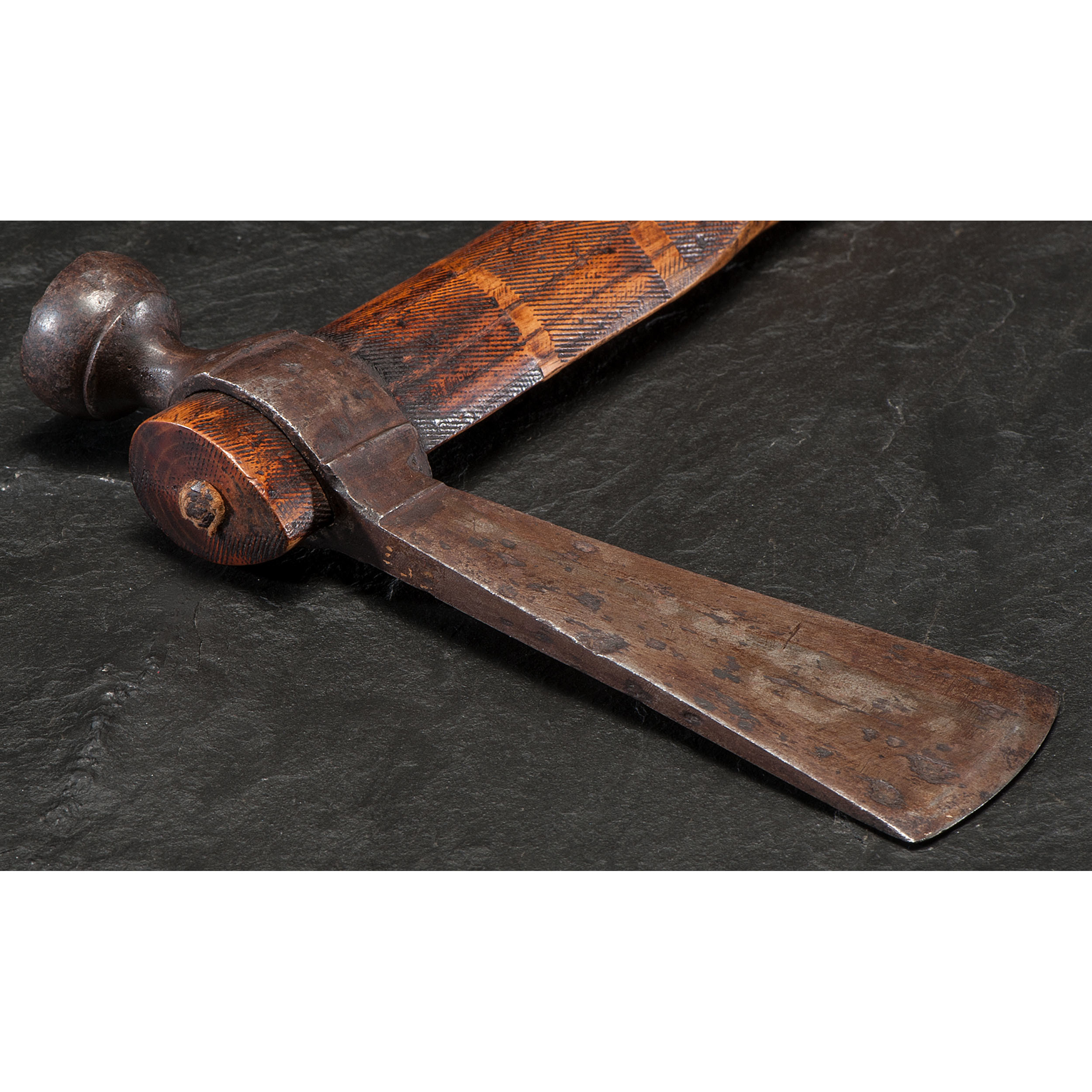 Eastern Plains Pipe Tomahawk | Cowan's Auction House: The