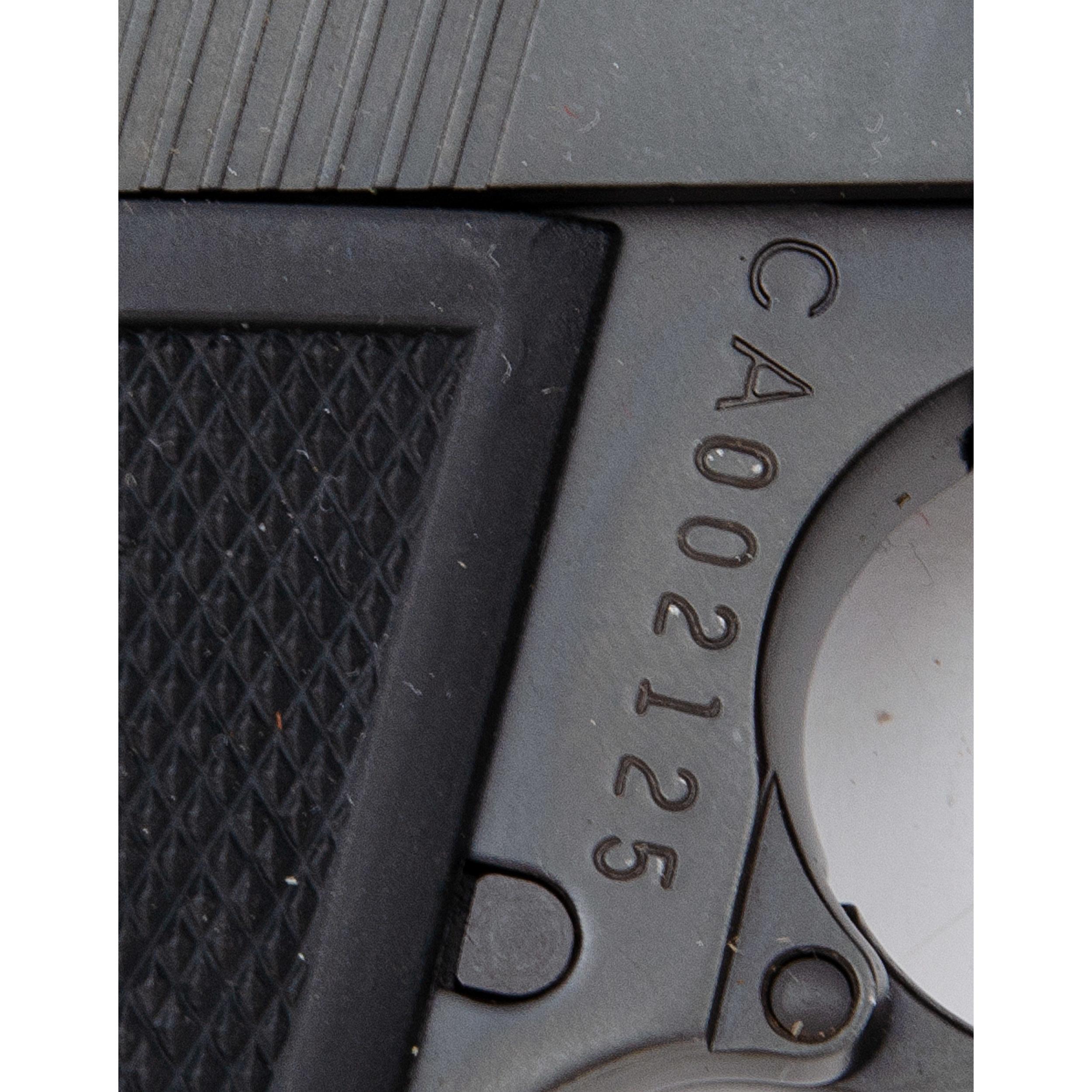 Daewoo DH 380 Pistol in Original Box   Cowan's Auction House: The