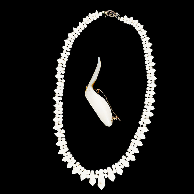 Carved Bone Jewelry Cowan S Auction House The Midwest S Most Trusted Auction House Antiques Fine Art Art Appraisals