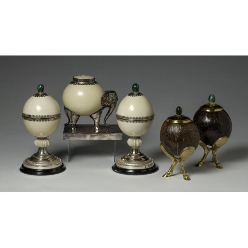 Ostrich Egg Garniture, Plus