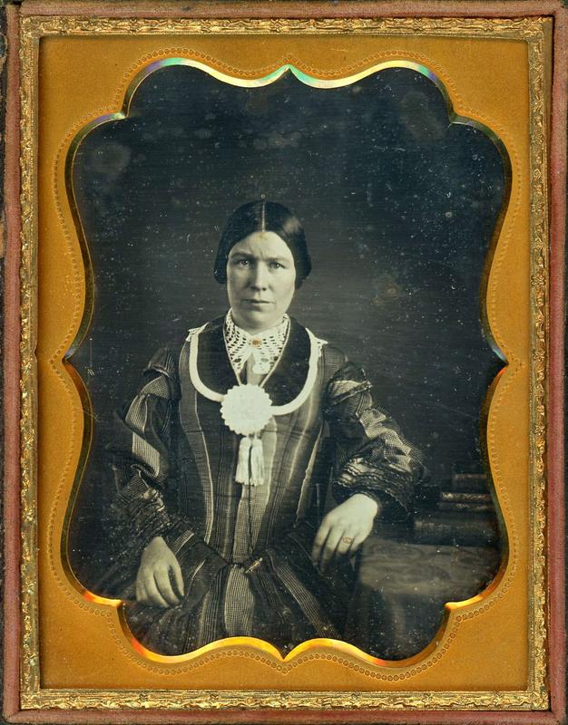 WOMAN WEARING A TEMPERANCE COCKADE