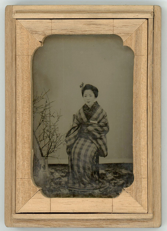 JAPANESE AMBROTYPE OF A STUNNING WOMAN