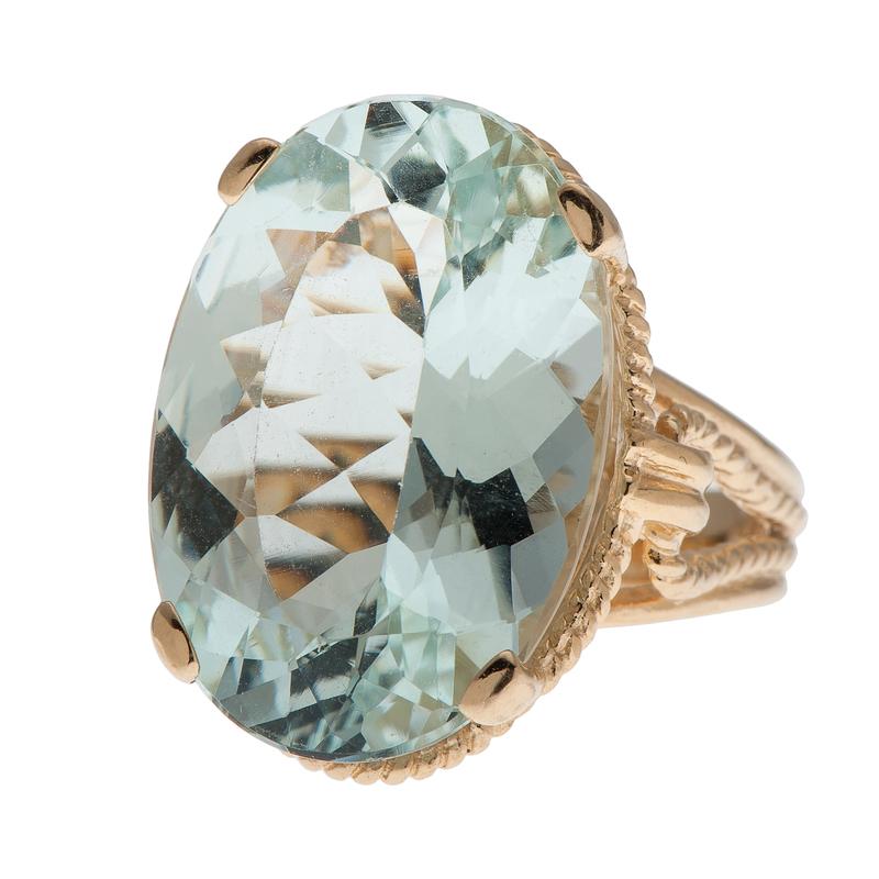 Aquamarine Ring in 14 Karat Yellow Gold