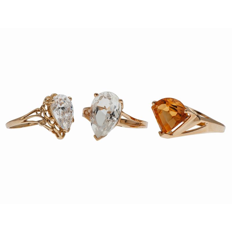 Single Stone Rings in 14 Karat Yellow Gold