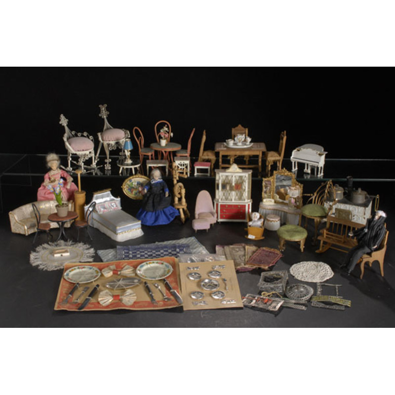 Wonderful Selection of Dollhouse Furniture & Accessories,