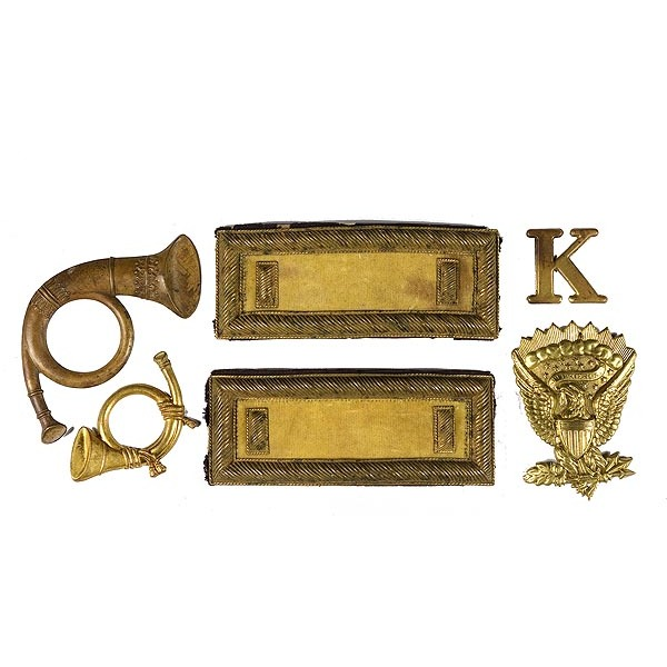Lt.'s Cavalry Shoulder Straps with Miscellaneous Insignias,