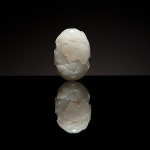 A Very Fine Chinese White Jade Melon Form Snuff Bottle