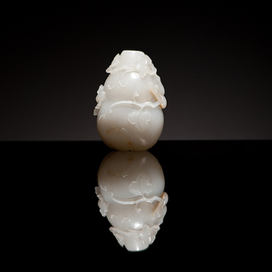 A Very Fine Chinese White Jade Double Gourd Snuff Bottle