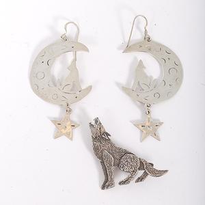 Southwestern Howling Coyote Jewelry