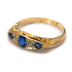 Ladies 18 Karat Yellow Gold Hand-Carved Sapphire and Diamond Ring