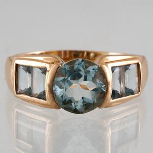 Swiss Blue Topaz Ring in 14 Karat Gold