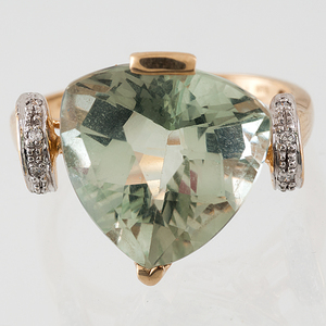 Green Amethyst Ring in 10 Karat Yellow Gold