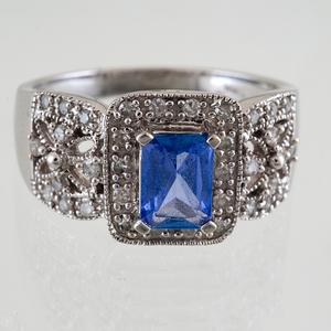 Tanzanite and Diamond Ring in 14 Karat White Gold