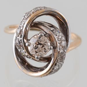Diamond Ring in 14 Karat Yellow Gold