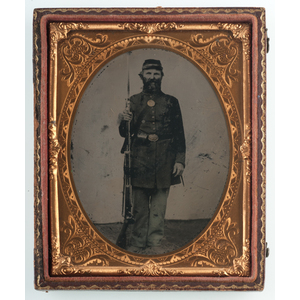 Quarter Plate Tintypes of Armed Union Soldiers