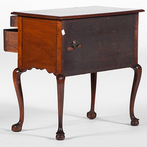 New England Queen Anne-style Lowboy, Plus