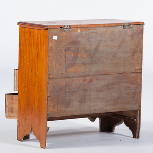 Chippendale Mule Chest in Pine