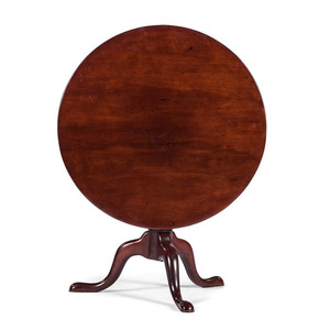 Pennsylvania Mahogany Tilt-Top Table