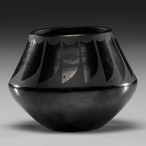 Santana Martinez (San Ildefonso, 1909-2002) Blackware Pottery Jar