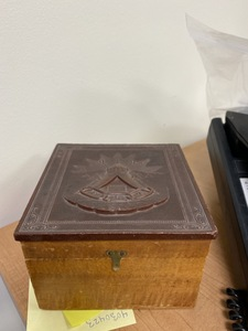 Early Collar Box with Thermal Plastic Masonic Lid