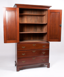 Chippendale Linen Press in Mahogany