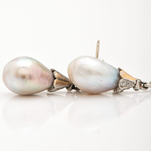 Black, Starr & Frost Baroque Pearl and Diamond Necklace in 18 Karat Gold and Platinum with Earrings