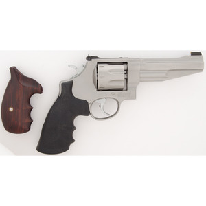 * Smith & Wesson Model 627-5 Performance Center