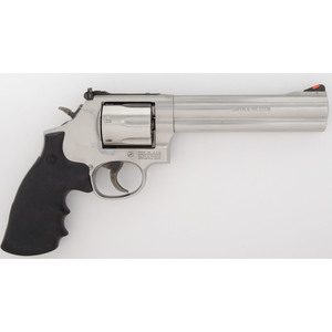 * Smith & Wesson Model 686-6 in Original Box