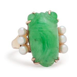 10 Karat Gold Jade Scarab and Pearl Ring
