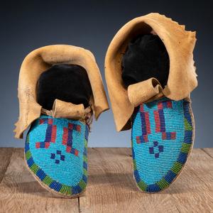 Blackfeet Beaded Hide Soft-Soled Moccasins