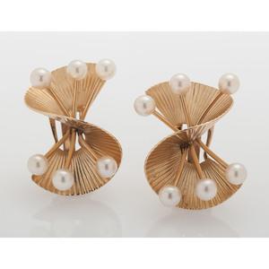 14 Karat Yellow Gold Cultured Pearl Earrings