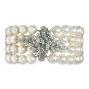Cultured Pearl Bracelet with 14 Karat White Gold Diamond Clasp