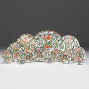 Chinese Export Rose Medallion Porcelain Service, 103 Pieces
