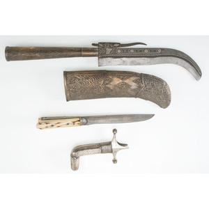 Lot of Three Edged Weapons