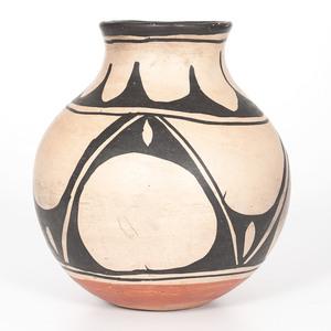 Kewa Pottery Jar