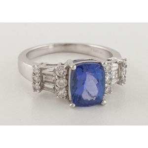 Kirin Jewels 14 Karat White Gold Ring