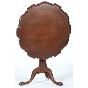Chippendale-style Tilt Top Table