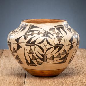 Mary Histia (Acoma, 1881-1973) Pottery Jar