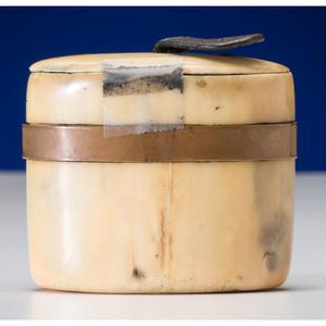 Alaskan Eskimo Carved Walrus Ivory Snuff Box