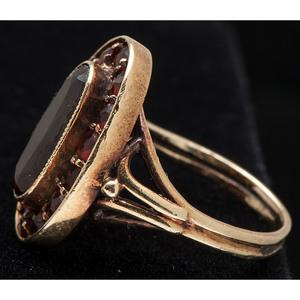 14k Gold Garnet Ring