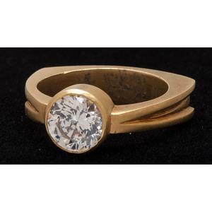 18k Gold CZ Ring
