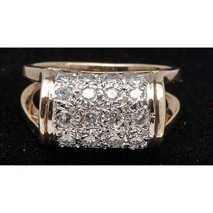 14k Gold Dimensional Diamond Ring