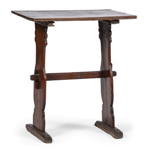 Trestle Table in Pine