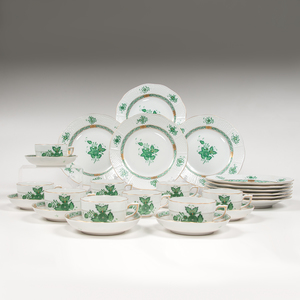 Herend Teacups, Saucers, and Lunch Plates, Chinese Bouquet Green
