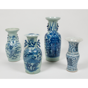 Chinese Blue and White Porcelain Vases 青花雙耳賞瓶一組四件