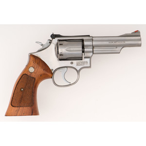 * Smith & Wesson Model 66 Revolver