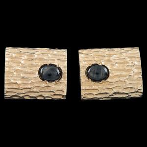 14k Gold Black Star Sapphire Cufflinks