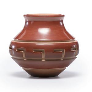 Nathan Youngblood (Santa Clara, b. 1954) Red and Sienna Carved Jar